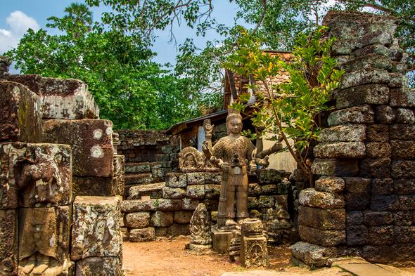 Nokor Bachey pagoda, Kampong Cham, Cambodia