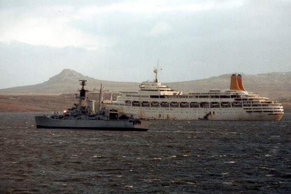 SS Canberra and HMS Andromeda in the Falklands