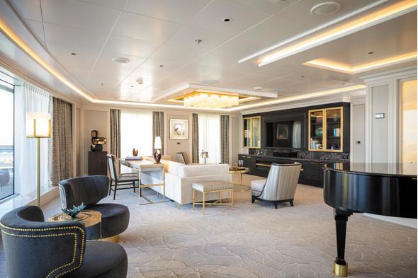 Seven Seas Splendor - Regent Suite - Living Room