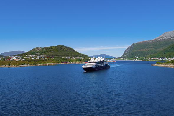 Ponant - Le Dumont d'Urville in Norway