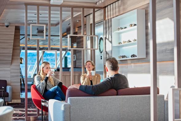 Family in the Explorer Lounge on MS Fridtjof Nansen