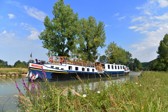 A luxury barge cruise with European Waterways on La Belle Epoque