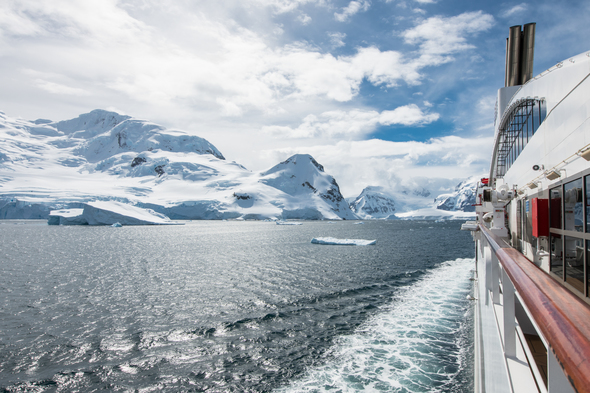 A Ponant cruise to Antarctica - Read our guide to choosing the right itinerary