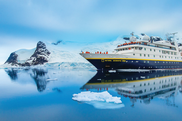 Exploring Antarctica with Lindblad, one of the most important companies in the history of expedition cruising