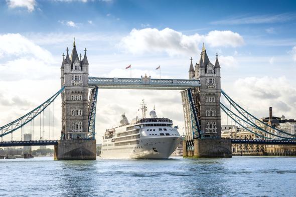Silver Wind cruising through Tower Bridge, London