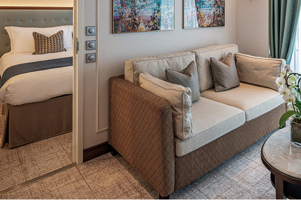 Saga - Spirit of Discovery - Mid Ship Suite with Balcony