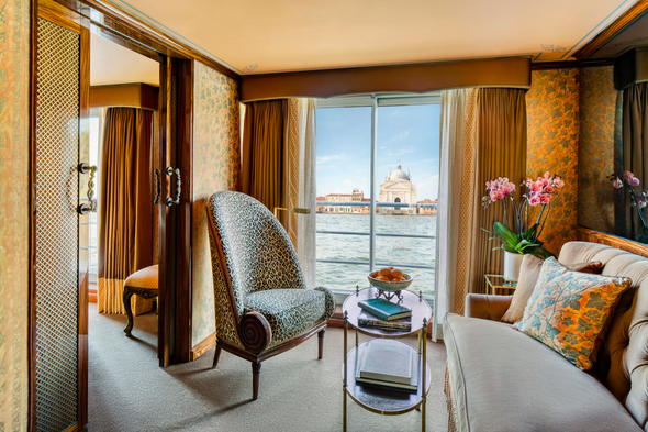 Uniworld Boutique River Crusie Collection - S.S. La Venezia - Grand Suite