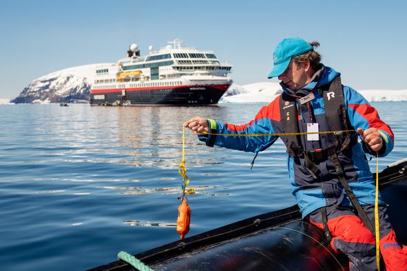 Citizen science on a polar expedition cruise with Hurtigruten