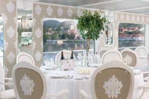 River Beatrice restaurant