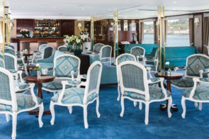 Queen Isabel lounge