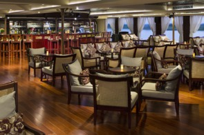 AmaWaterways AmaDara lounge