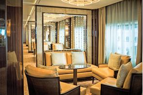 Regent Seven Seas Voyager - Horizon Lounge
