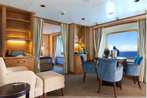 Star Pride - Classic Suite living area