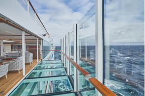 Hapag-Lloyd Cruises - HANSEATIC nature - Glass balcony