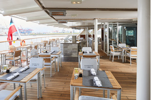 HANSEATIC nature - Lido restaurant