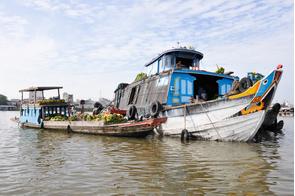 Floating market in Chau Doc, Vietnam
