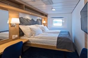 Hurtigruten - MS Kong Harald - Arctic Superior Cabin