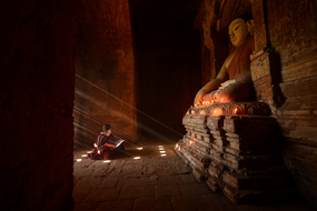 Myanmar & Ayeyarwady river cruises - Novice monk in Bagan