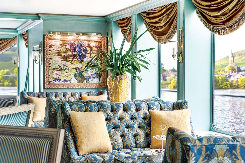 Uniworld River Empress lounge