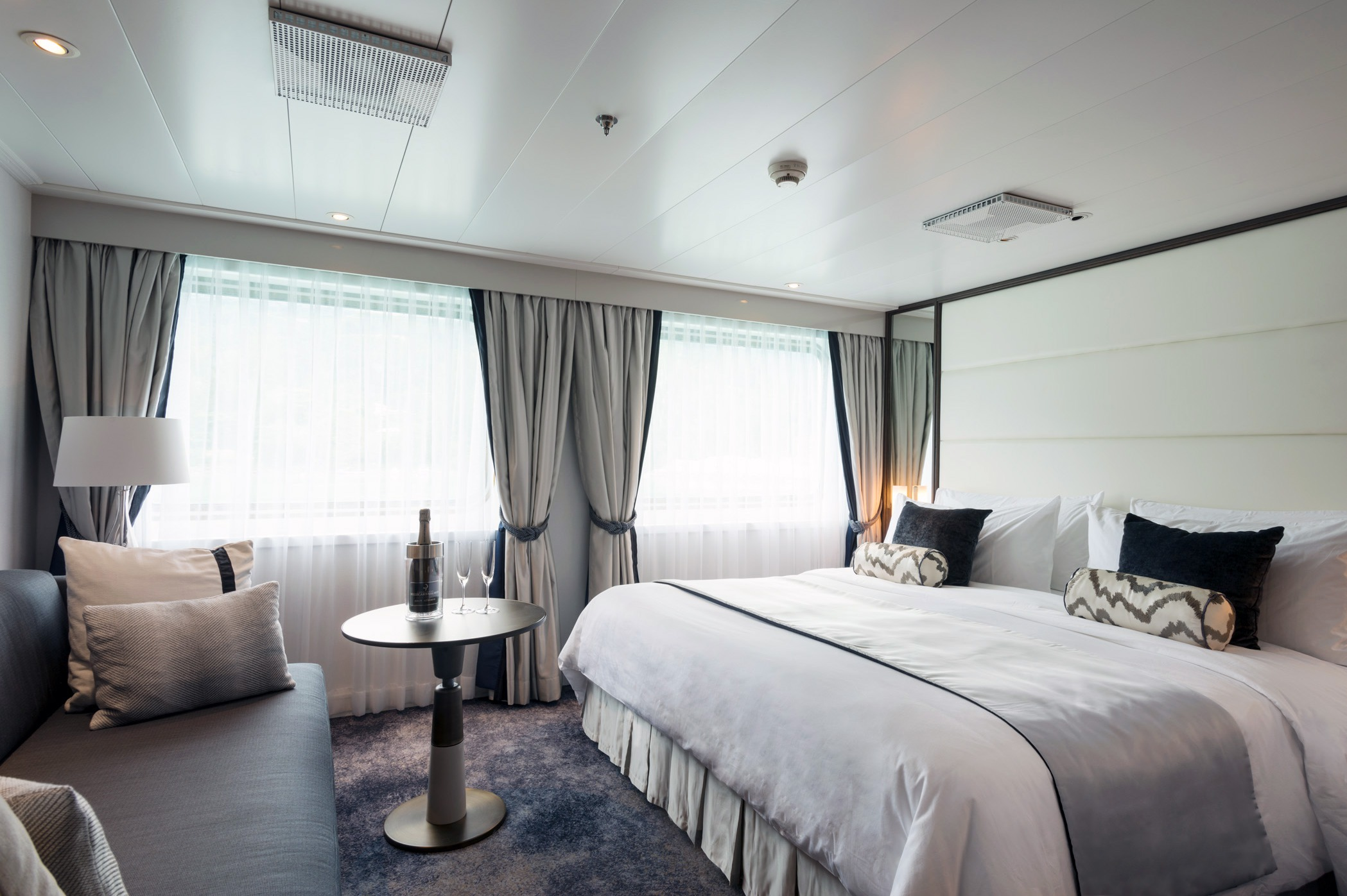 Crystal Cruises - Crystal Esprit Yacht Suite