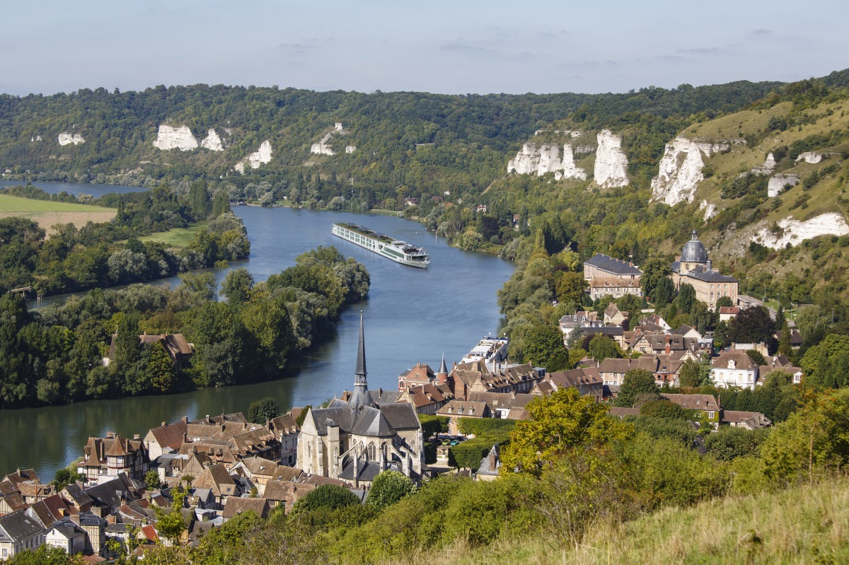 Scenic Gem on the Seine river