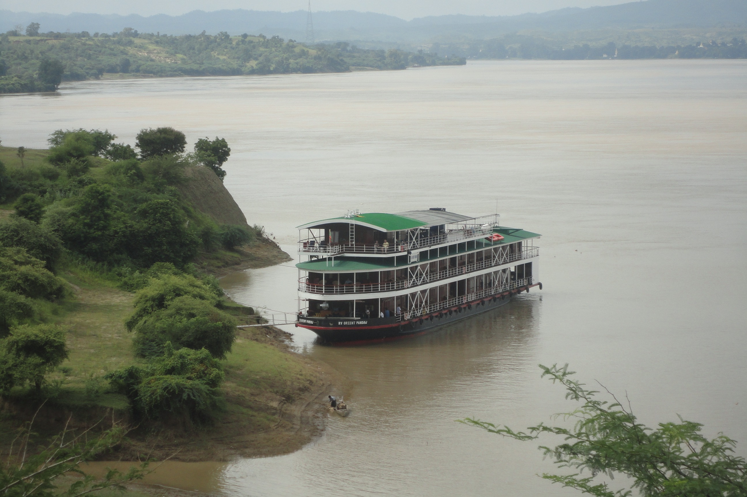 Pandaw Expeditions RV Orient Pandaw riverside