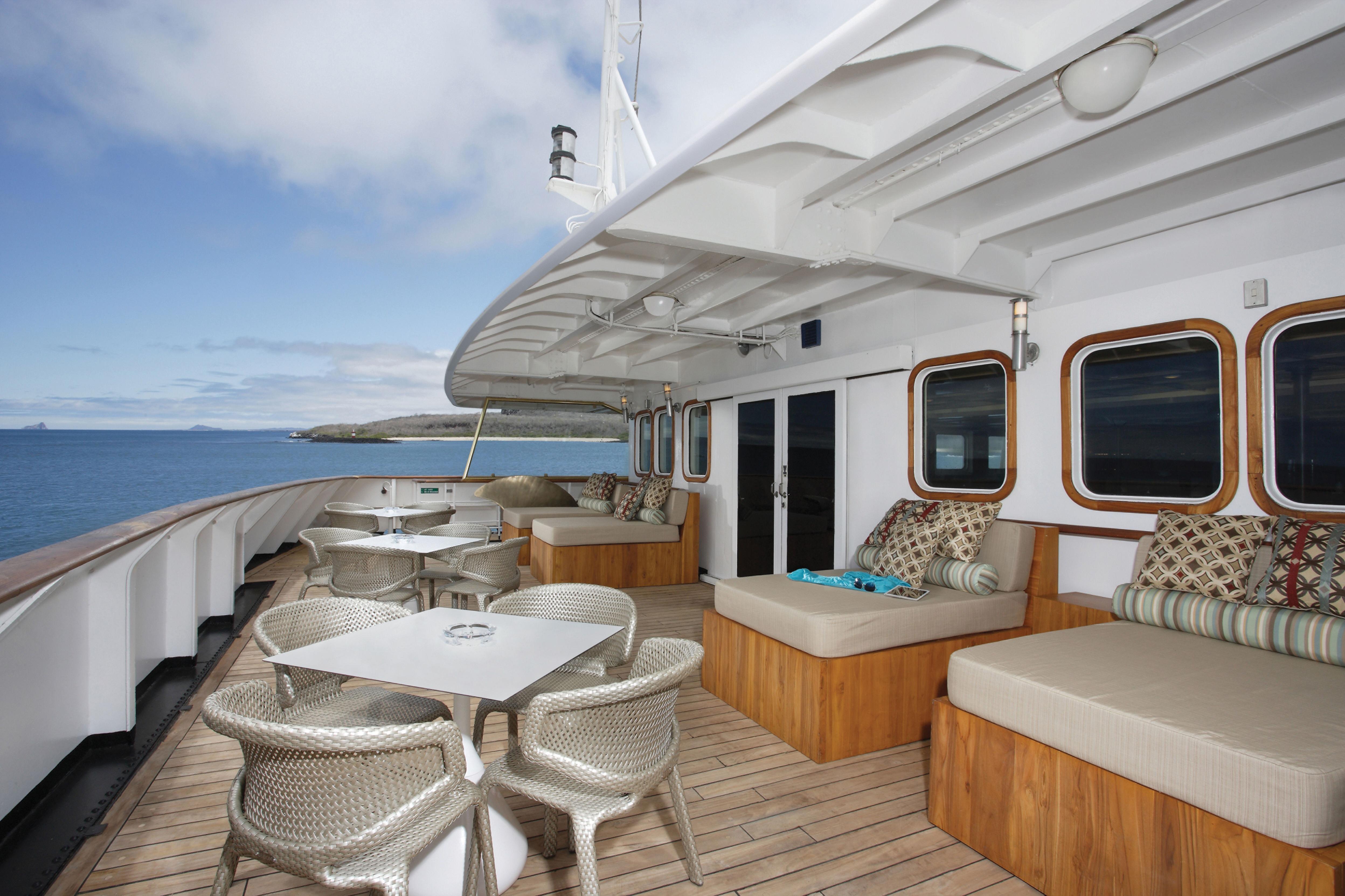 Silver Galapagos - Deck