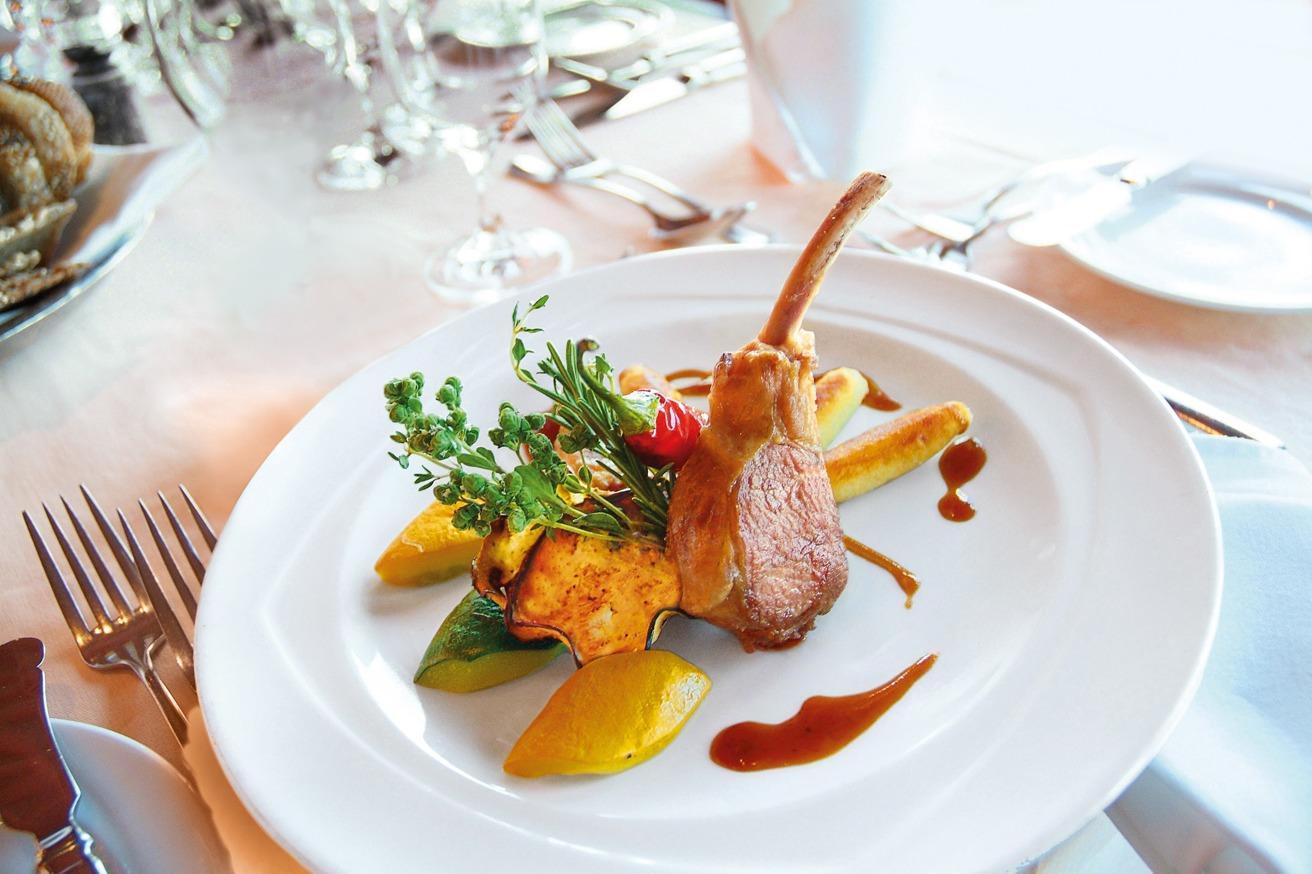 Hapag-Lloyd Expedition Cruises - onboard cuisine