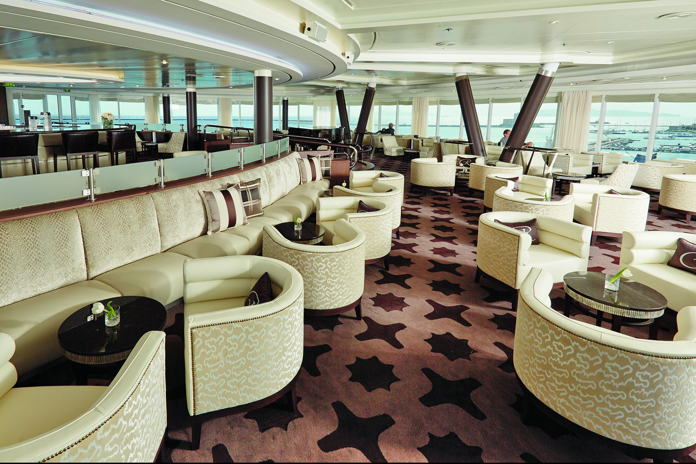 Regent Seven Seas Mariner Observation Lounge
