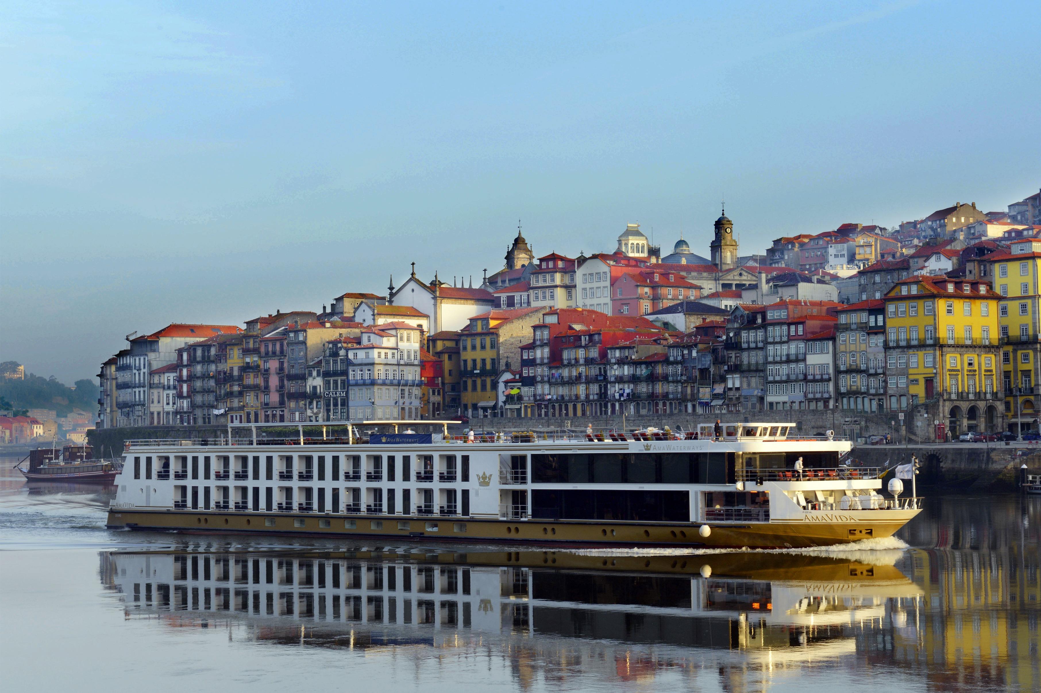 AmaVida on the Douro river, Porto