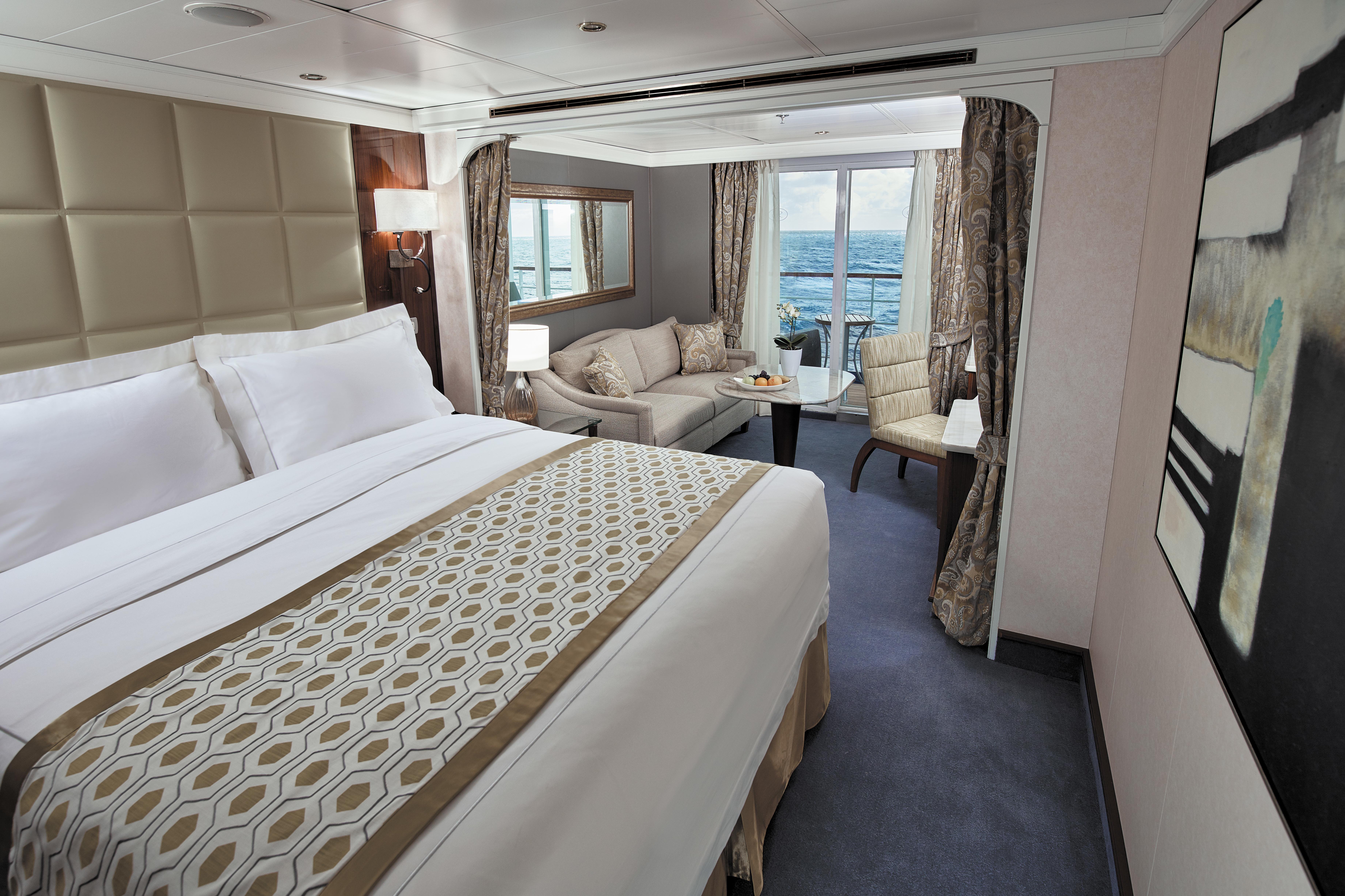 Regent Seven Seas Voyager - Deluxe Veranda Suite