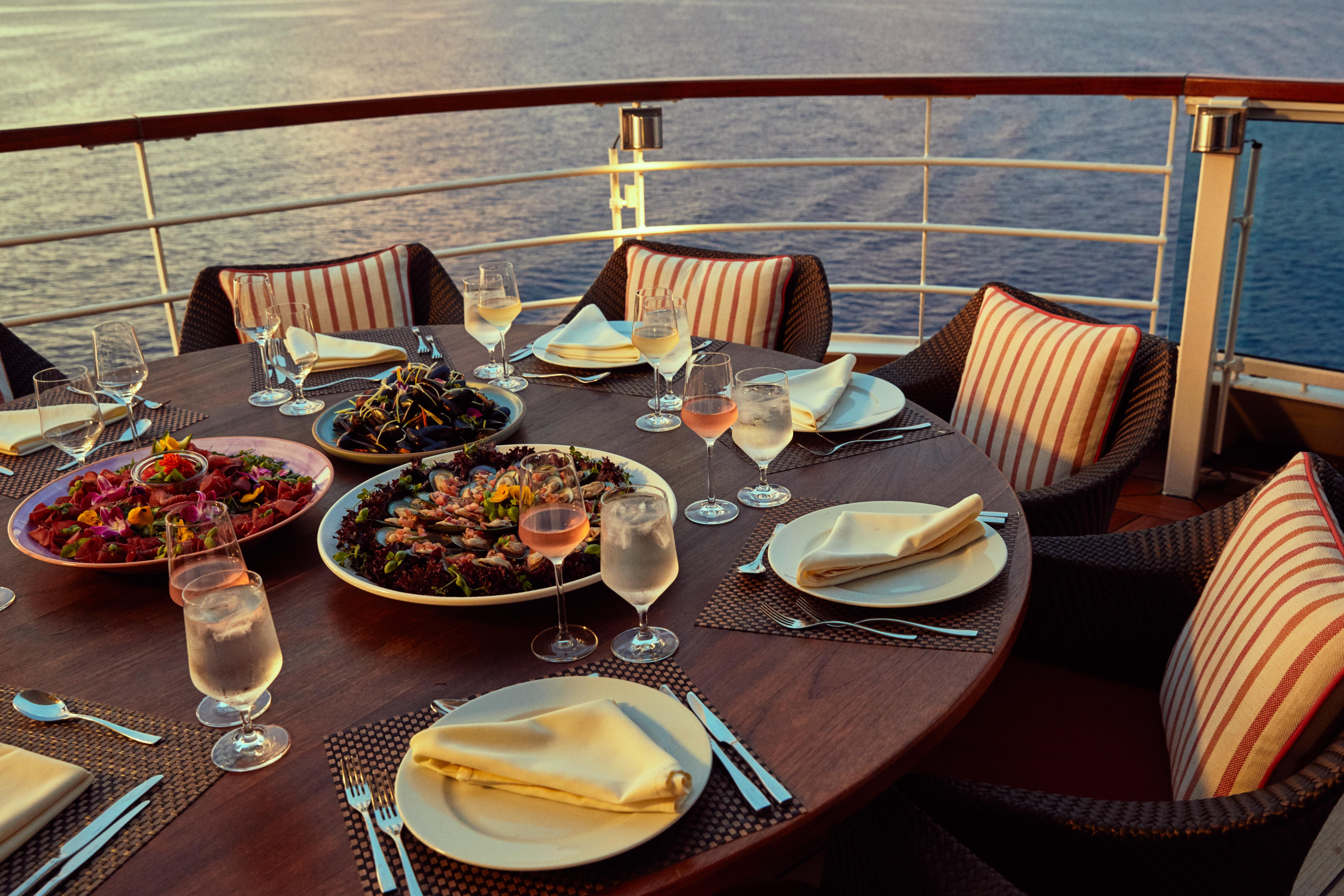 Seabourn Encore - Colonnade restaurant