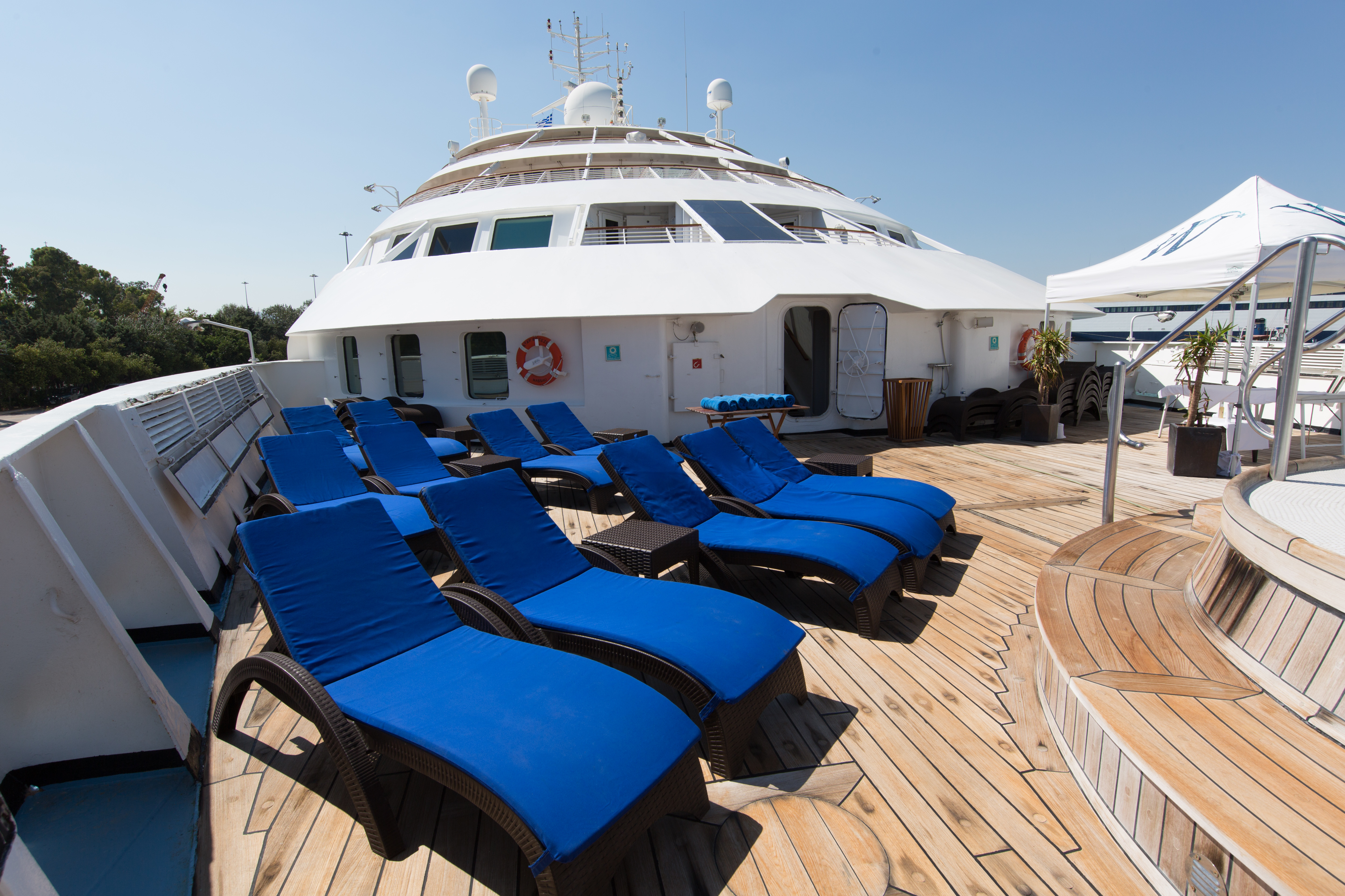 Star Breeze - Pool deck