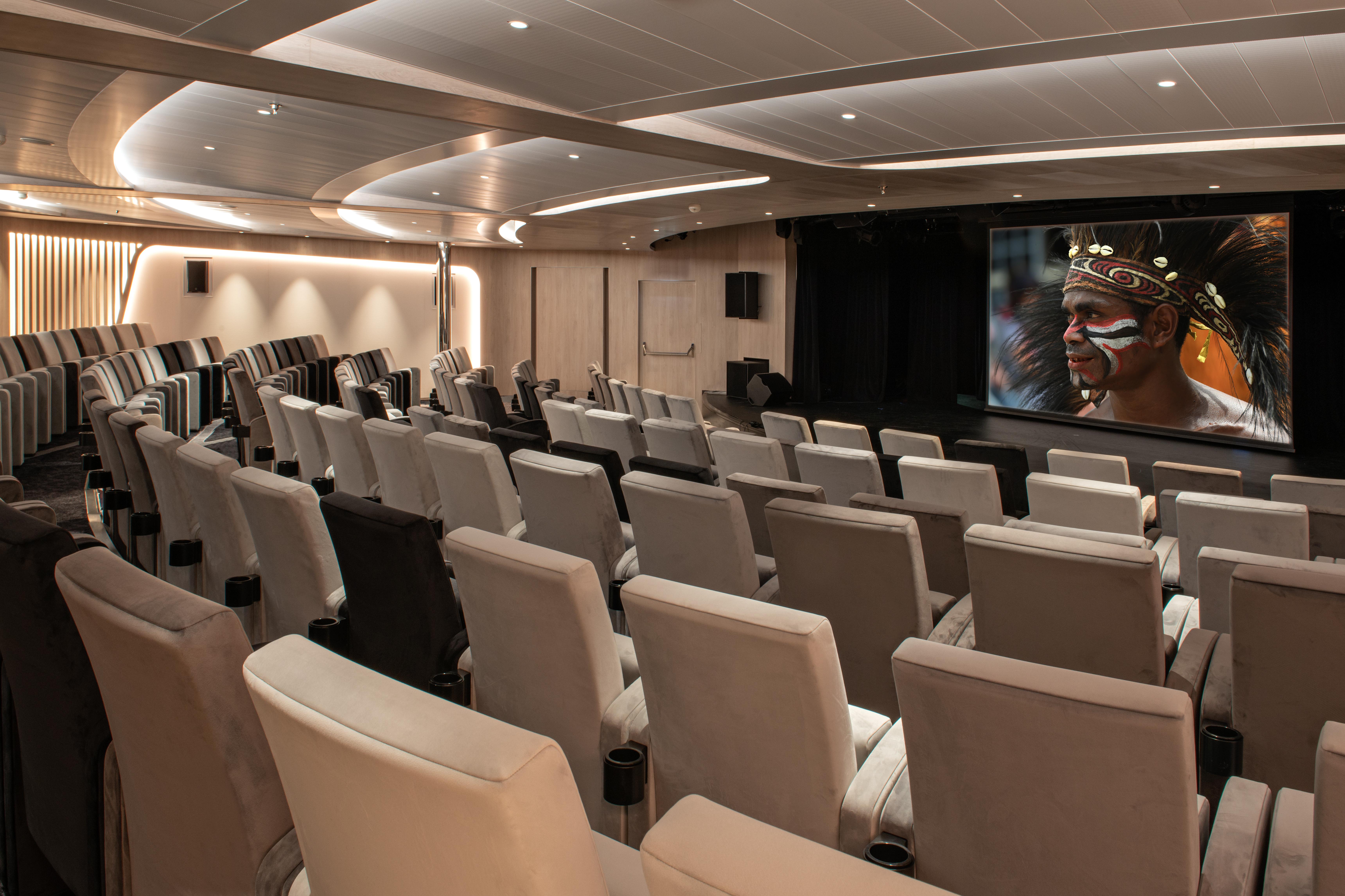 Ponant - Le Bougainville - Theatre
