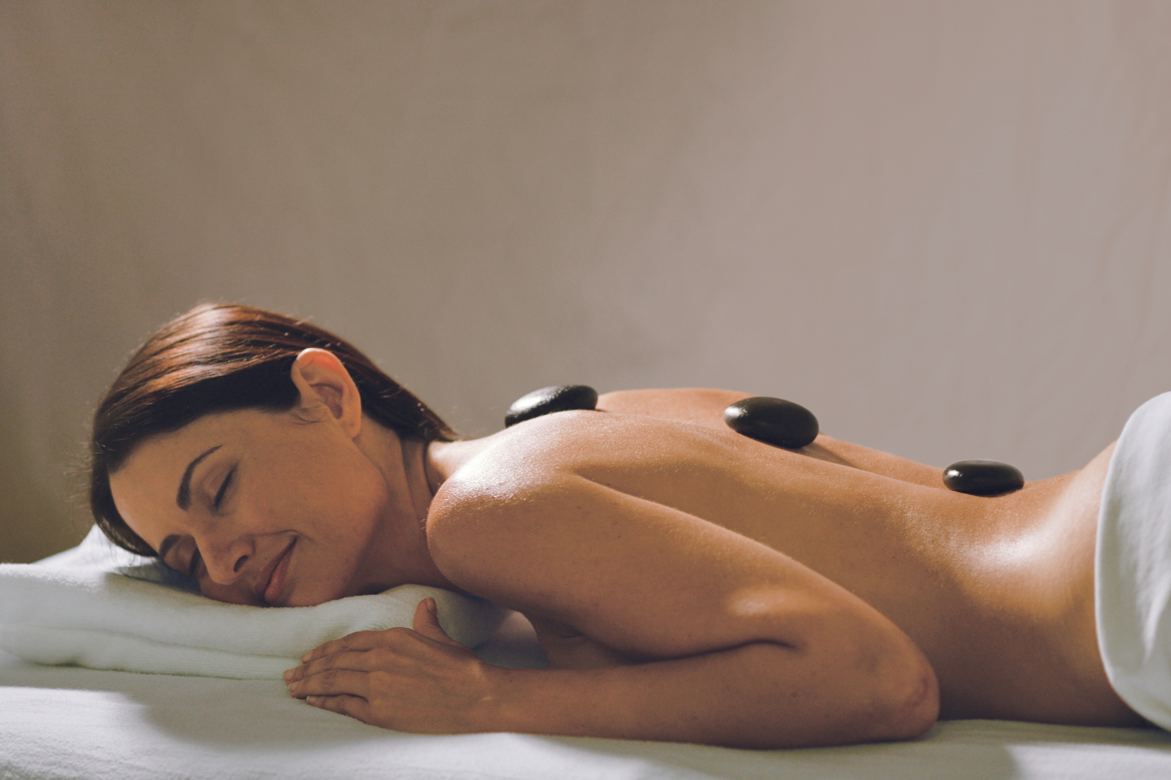 MS Paul Gauguin - Hot stone massage at the spa