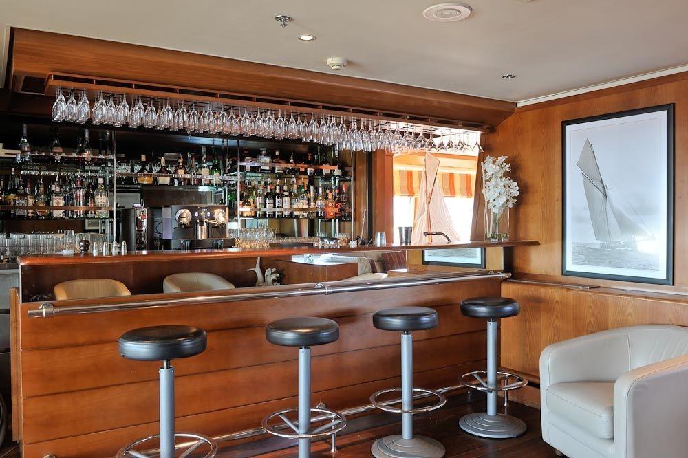 Le Ponant - Emerald Lounge bar