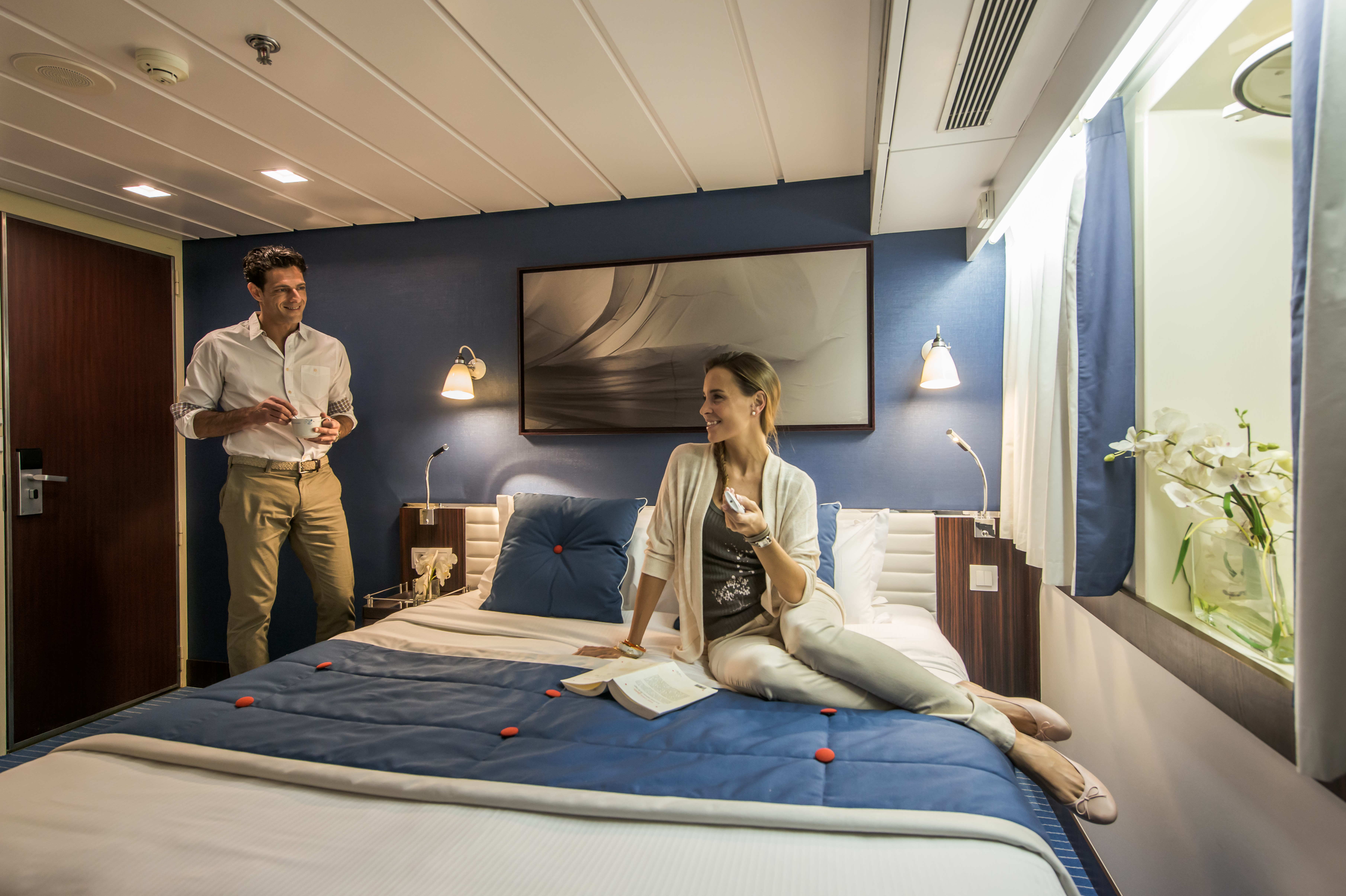 Le Ponant - Guests in Antigua stateroom