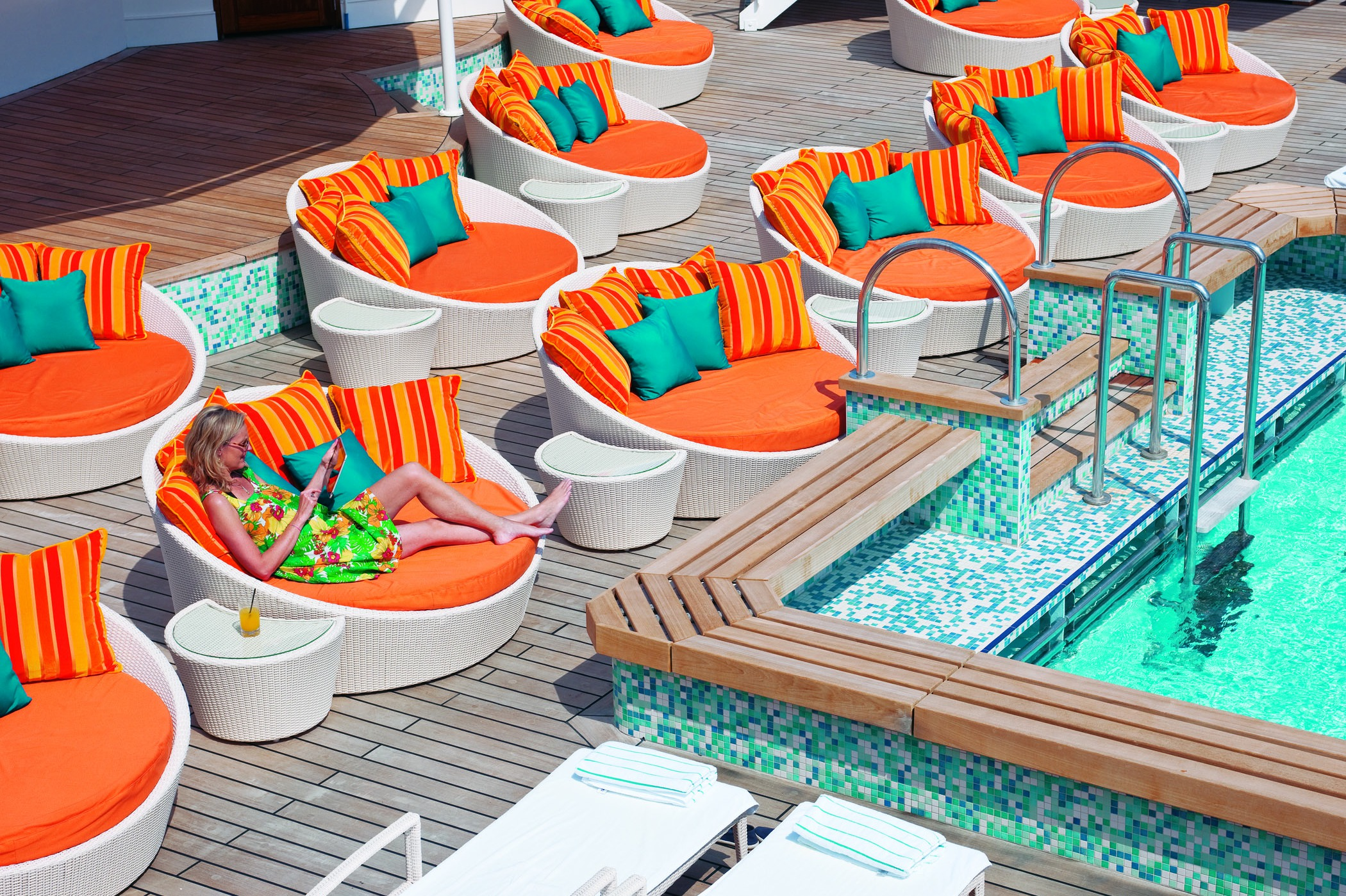 Crystal Cruises - Crystal Serenity pool