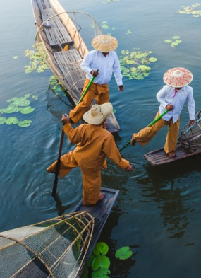 Myanmar expedition cruises - Fishermen on Inle Lake