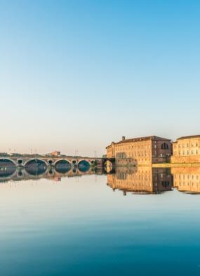 Dordogne, Garonne & Gironde river cruises - Pont Neuf, Toulouse