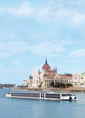 European river cruise guide - Uniworld in Budapest