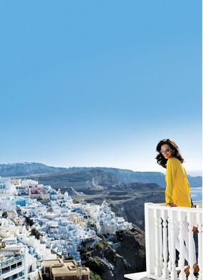 Solo cruise traveller in Santorini