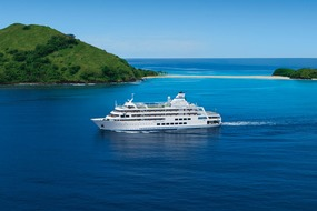 Captain Cook Cruises in Fiji