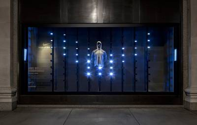 Index thumb nikes interactive display windows by staat 3 1024x682