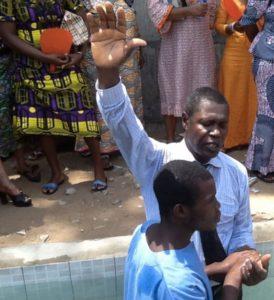 N8-Mondo_Togo-battesimi in prigione