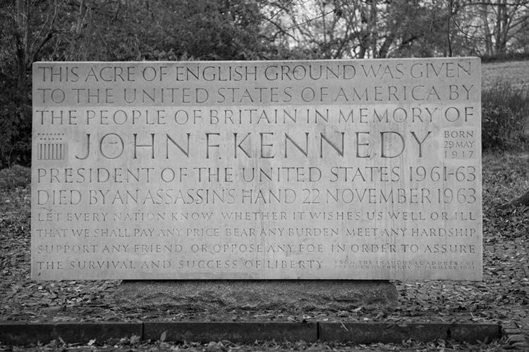 John F Kennedy Memorial 1965 designed by Geoffrey Jellico and conceived as path stone and seats symbolising life, death and spirit. Installed on an acre of Runnymede land given in perpetuity to the USA