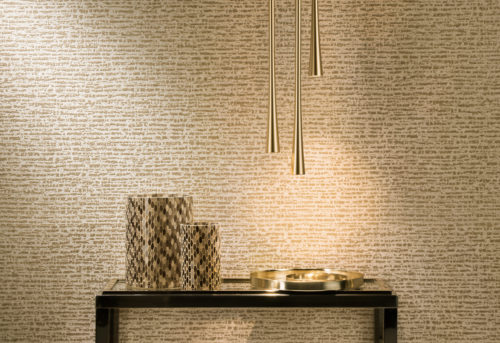 In the Capiz wallcovering collection, for each capiz item a group of matching nonwoven wallcoverings was created, making it possible to alternate colours and textures, structures and material. In this picture: the dotted stripe.