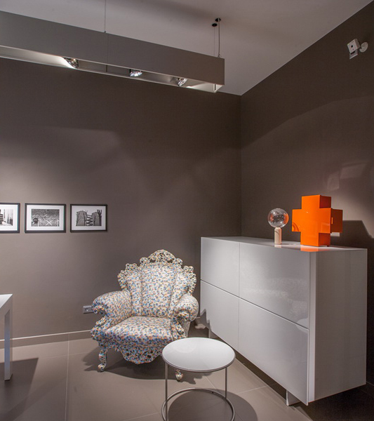 1_Italian_Furniture_Showroom_18_