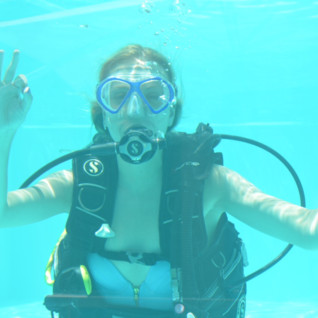 Helen Learning to Dive