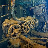 wreck diving chuuk lagoon
